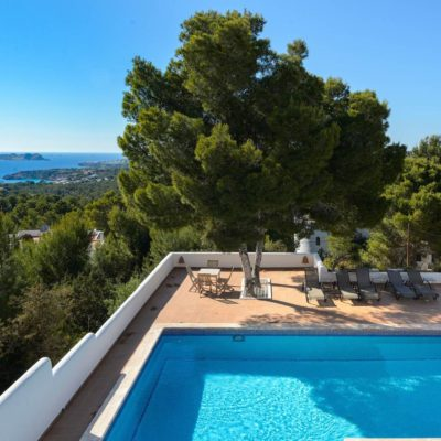 Magnificent villa with spectacular sea views
