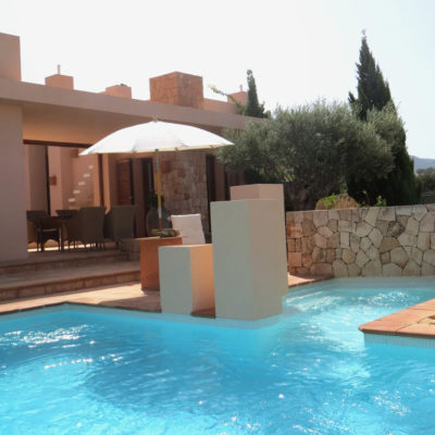 Excellent villa very well maintained with sea views and sunset views