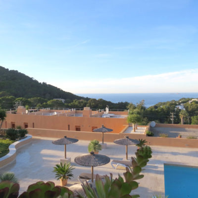 Fabulous duplex apartment with wonderful sea views